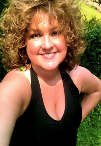 Laura Lowe's avatar